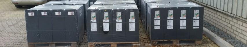 Gebruikte batterijen klaar voor transport
